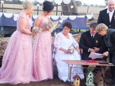Congratulations to the New Mr. and Mrs Hodge who were married on 25th April 2015 on their camel property.